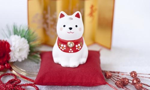 お正月用の犬の置物